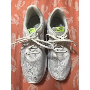 Brand new white Nike tennis shoes